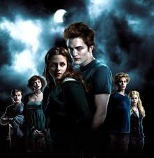 Bild på Bella, Edward och hans familj.